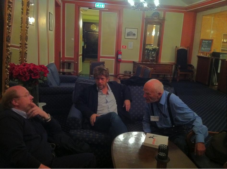 Fra venstre: Steinar Ask, Kjell Ribert og Trygve Gedde Dahl i dialog. Foto: Bernt Møst Lien